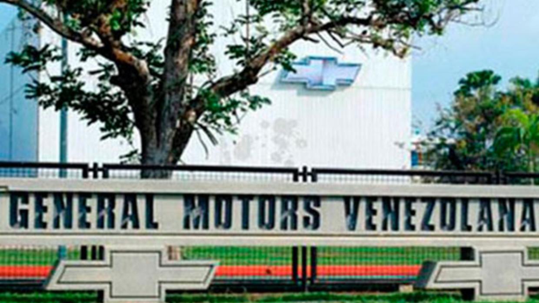 Entrada a la planta de ensamblaje de General Motors Venezolana en la ciu...