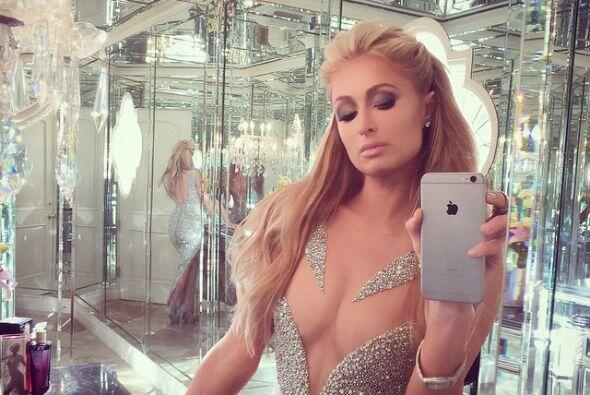 ¡Usar su súper 'Paris Hilton Push-Up Bra'!