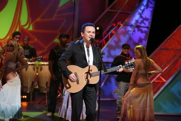 """El cantante de """"Te mando flores"""" fue un éxito durante su presentación."""