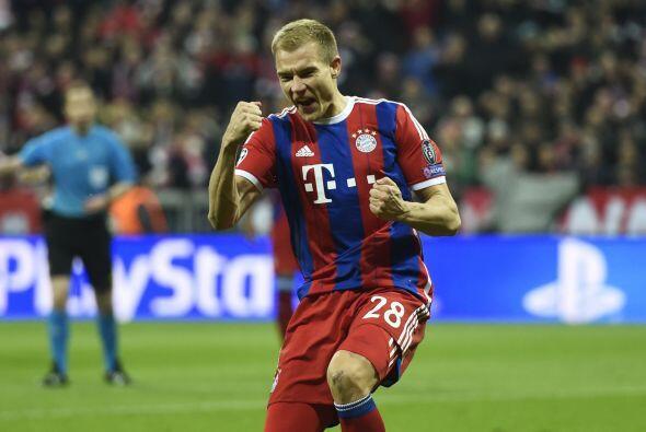Badstuber sería el siguiente en marcar para los del Bayern Munich con un...