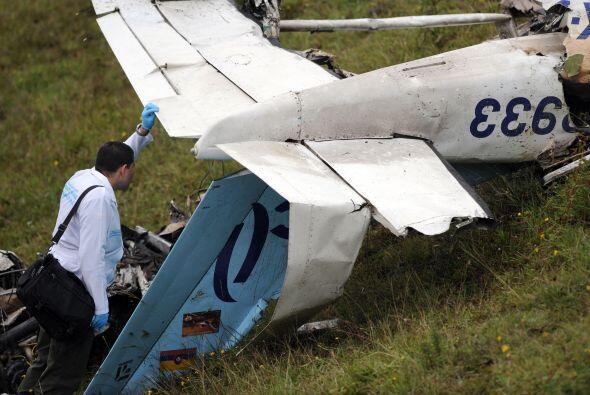 Una pequeña aeronave comercial se accidentó en una zona montañosa cercan...