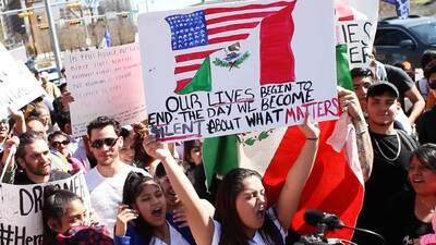 En Imágenes: Cientos de personas marcharon en Austin durante una larga jornada para apoyar la iniciativa 'Un día sin inmigrantes'
