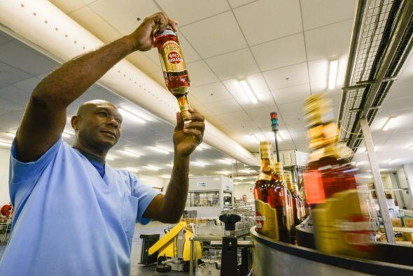 En la actualidad 444,109 cubanos ejercen el trabajo privado, en un país...