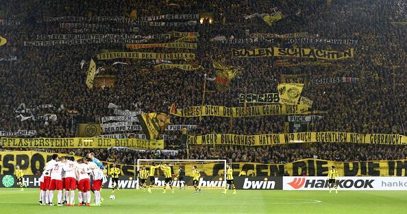 """Cuando """"La Muralla Amarilla"""" del Dortmund estalló en cólera 2.jpg"""