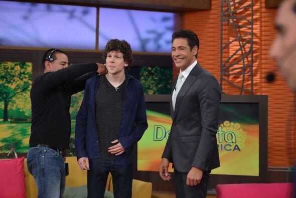 Johnny Lozada le dio la bienvenida al estudio de Despierta Améric...