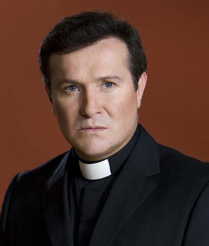 Más sexi que el Padre Alberto En el 2009, el Padre Alberto colgó los háb...