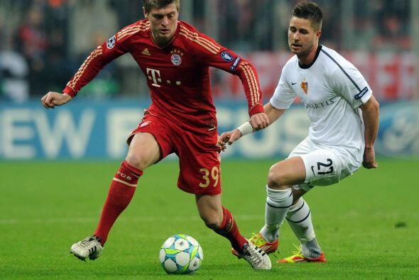 Pero los alemanes del Bayern no se conformaron con eso y se lanzaron en...