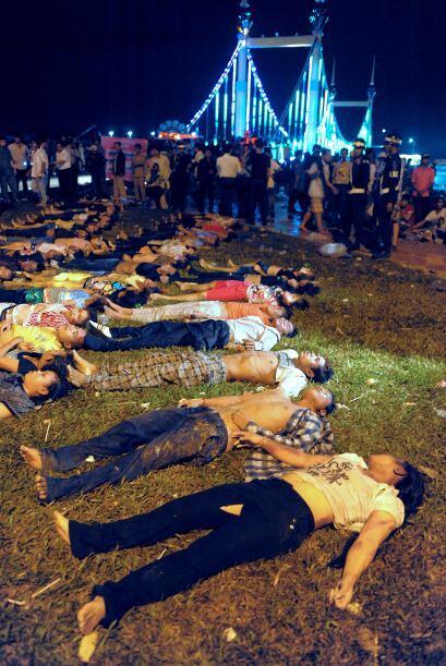 Entre los fallecidos se encuentran al menos 240 mujeres, informó la tele...
