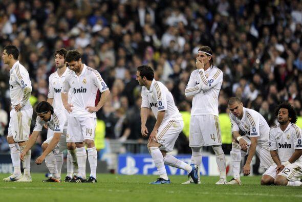 En el 2003 pese a sus éxitos el Real Madrid decidió no ren...