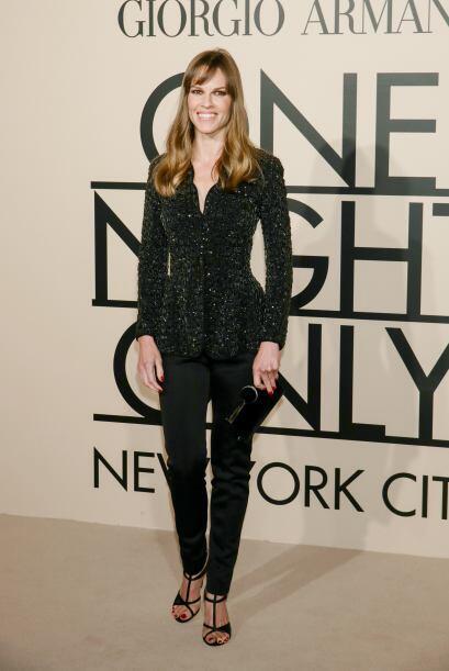 Una de las mejores vestidas de la noche sin duda alguna fue Hilary Swank...