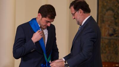 Casillas recibió la Gran Cruz de la Orden al Mérito Deportivo
