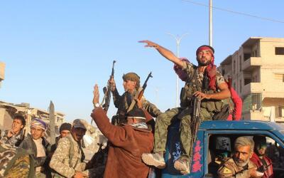Imagen del lunes 16 de octubre, con soldados de la coalición cont...