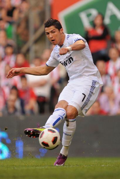 Cristiano Ronaldo se le escapó a los defensores, que se durmieron...