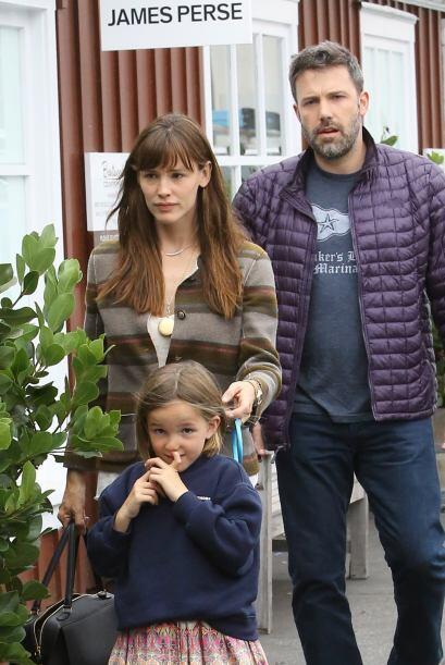 Los rumores dicen que Jennifer es quien se hace responsable de sus hijas...