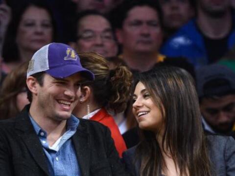 Los famosos asistieron a disfrutar un partido de basketball. Mira aqu&ia...