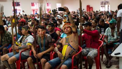 En fotos: Una represa y mina de oro amenazan la vida indígena en el río Xingu de Brasil