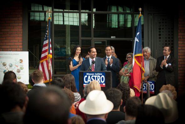 Julián Castro es alcalde de San Antonio y uno de los personajes más quer...