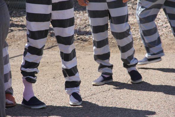Desde los calzoncillos rosados que usan sus presos.