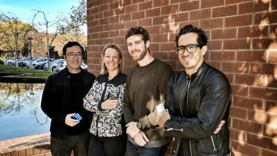 Villarreal –a la derecha– posa con sus colegas de diseño en una f...