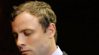 El fiscal Gerrie Nel acusó al atleta paralímpico Oscar Pistorius de habe...