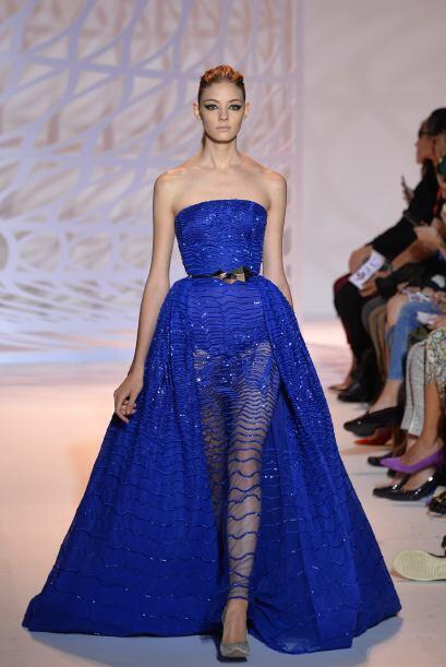 En las más recientes Semanas de la Moda, el azul eléctrico ha sido el pr...