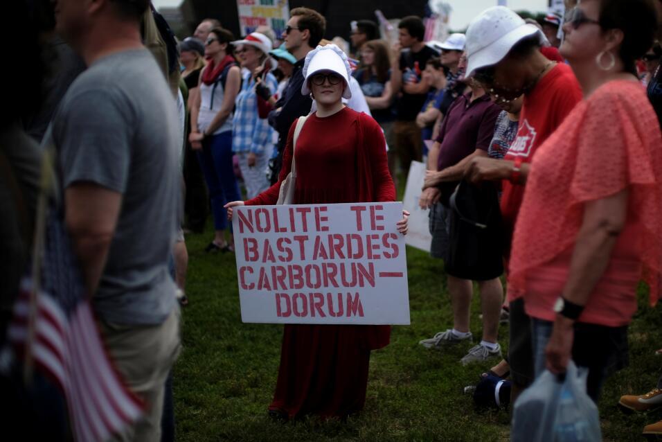 salud protestas obamacare mujeres rojo