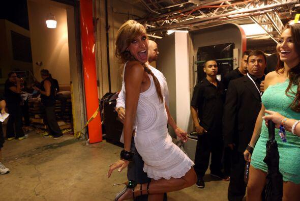 ¡Wow! Lili Estefan parecía un angelito con ese coqueto vestido blanco.