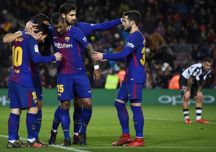 En fotos: Messi comanda la fiesta del Barcelona gettyimages-902252874.jpg