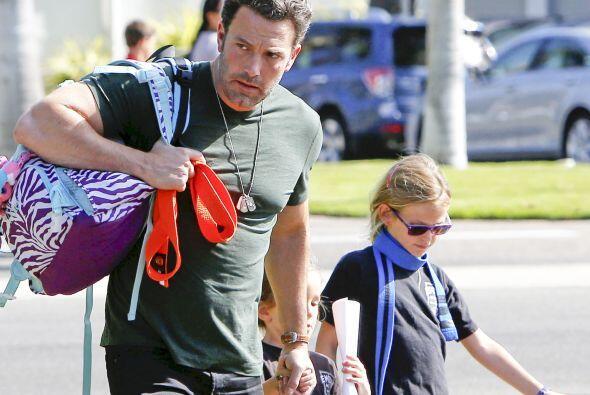 Ben estaba listo y ansioso por llevar a sus dos hijas a la clase de karate.