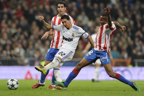 Atacantes como Angel Di María buscaban el tanto del empate.