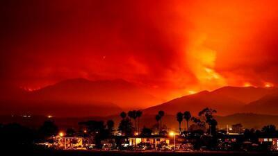 En fotos: La ola de calor incendia las montañas de California