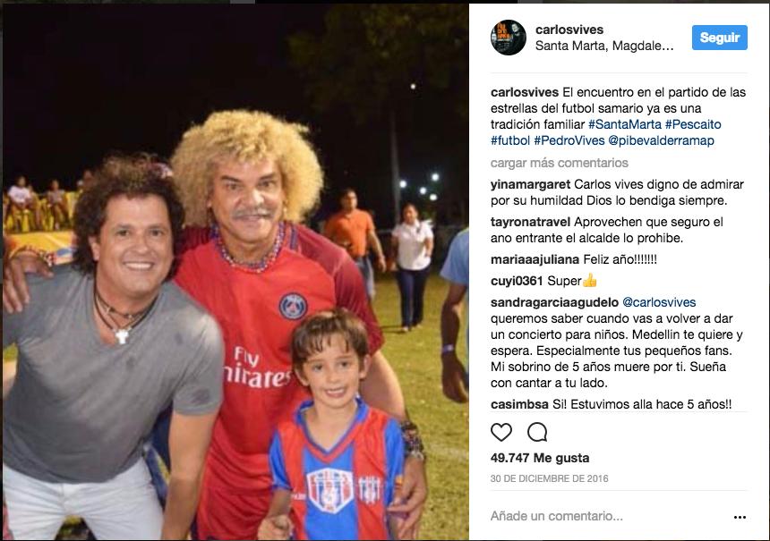 Con el ídolo del futbol colombiano, Carlos El pibe Valderrama, y su hijo...