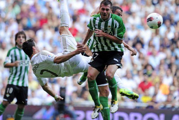 En la primera etapa, el Madrid no pudo llegar al gol pero Cristiano estu...