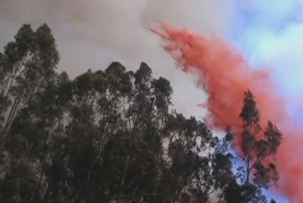 Impresionantes imágenes de los incendios que azotan a San Diego d...