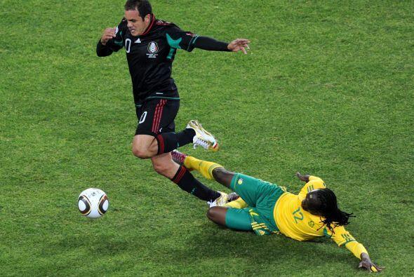 México arrancó el juego perdiendo con los anfitriones, per o con gol de...