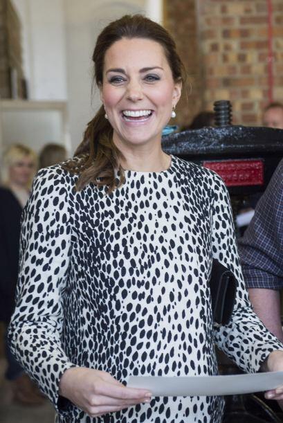 Kate, de 33 años, lució muy sonriente durante su visita.