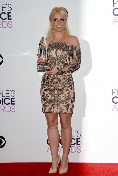 El vestido de Britney Spears fue maravilloso, lástima de cara, pues los...