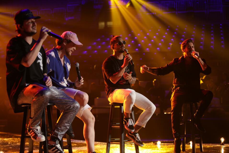 Maluma en los ensayos de Premios Juventud.