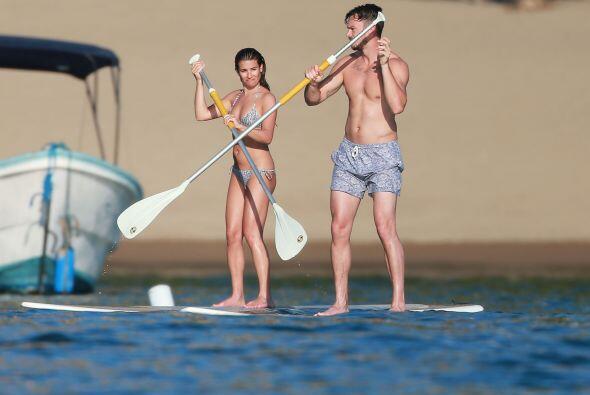 Lea nos presumió su figura en este diminuto bikini.