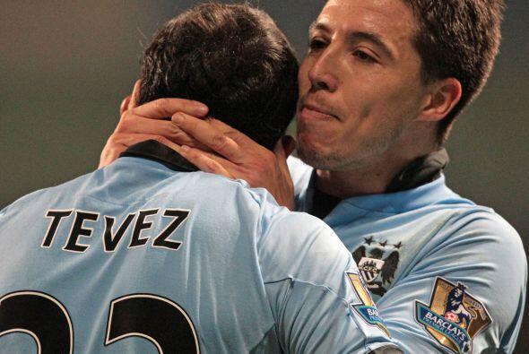 De este modo, Manchester City recortó dos puntos en su desventaja con el...