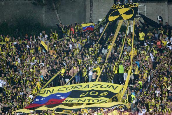 Otro equipo venezolano presente en la copa, el Deportivo Táchira, y esos...