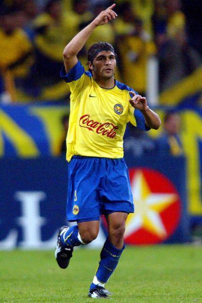 Reinaldo Navia jugaba con las águilas y a cinco minutos del final brindó...