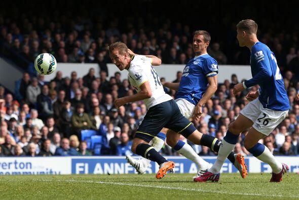 Kane fue el encargado de abrir el marcadoe en acciones del primer tiempo.
