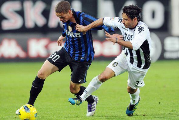 Horas antes, se disputó el duelo entre Inter de Milán y Si...