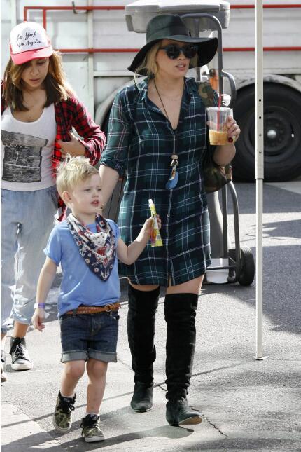 Y es que con su popular mami ha debido acostumbrarse a que los paparazzi...
