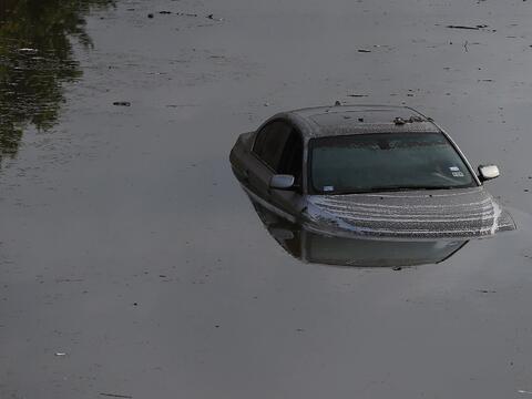Especial: La Grange, una ciudad que se recupera del huracán Harvey con f...