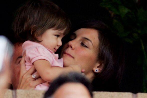 Katie siempre ha sido una mami muy cariñosa. Más videos de Chismes aquí.