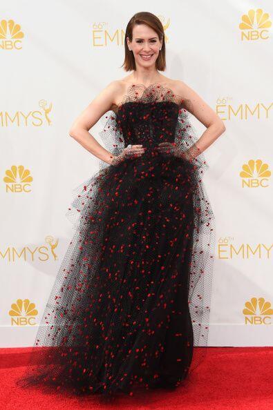 Sarah Paulson parecía un enorme bichito con ese vestido de Armani Privé.