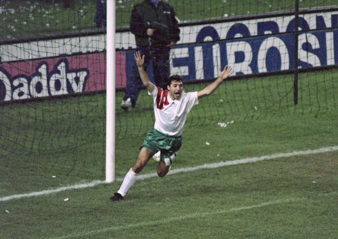 Historias de Mundiales: la Bulgaria de Stoichkov que sorprendió a los gr...