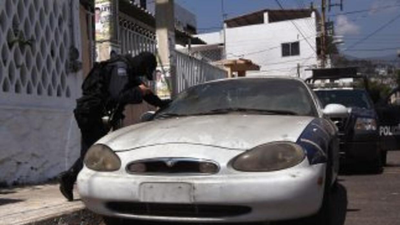 La fiscalía de Ciudad de México detuvo a 13 Policías de Investigación m...